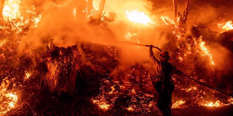turner64_JOSH EDELSONAFP via Getty Images_firefightercalifornia