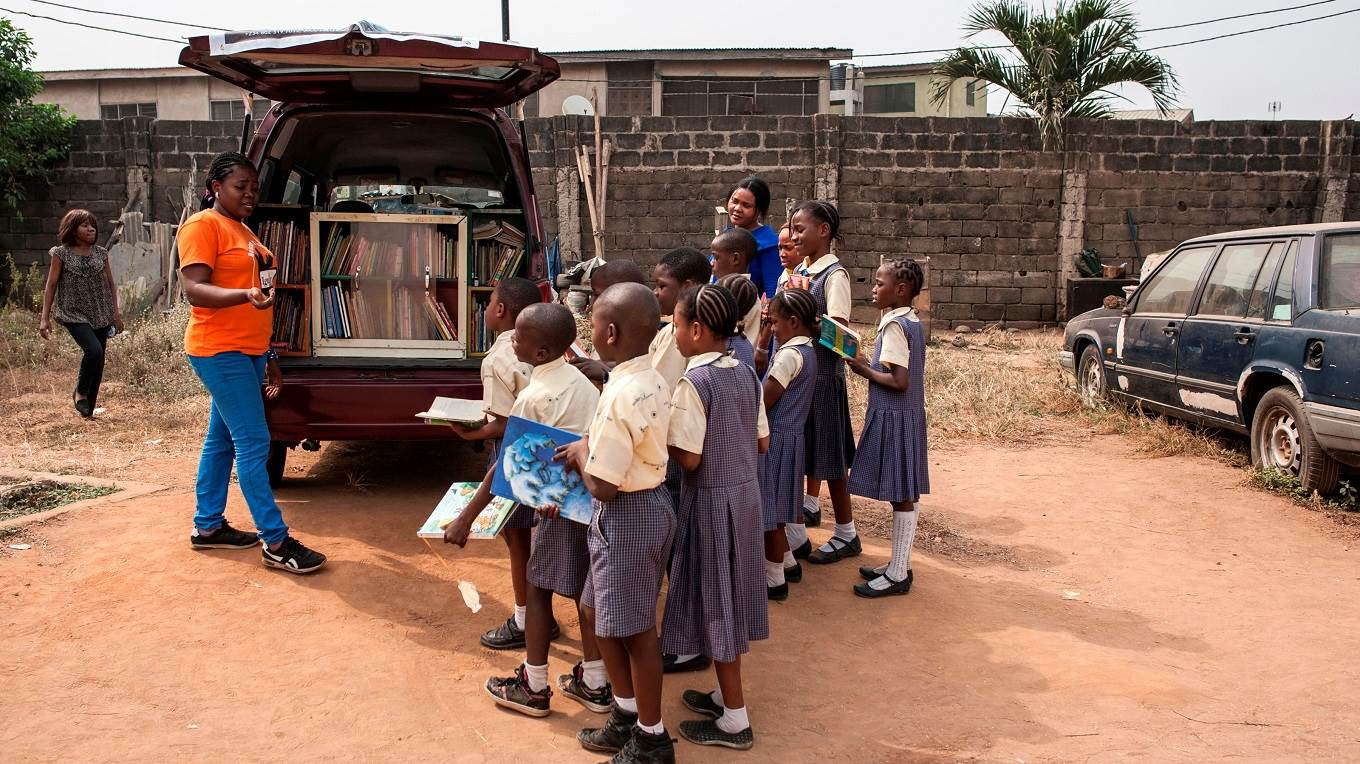 The 'mobile library' project in Nigeria
