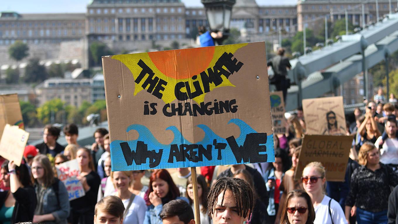 op_cliffe3_ATTILA KISBENEDEKAFP via Getty Images_climatechangeprotest