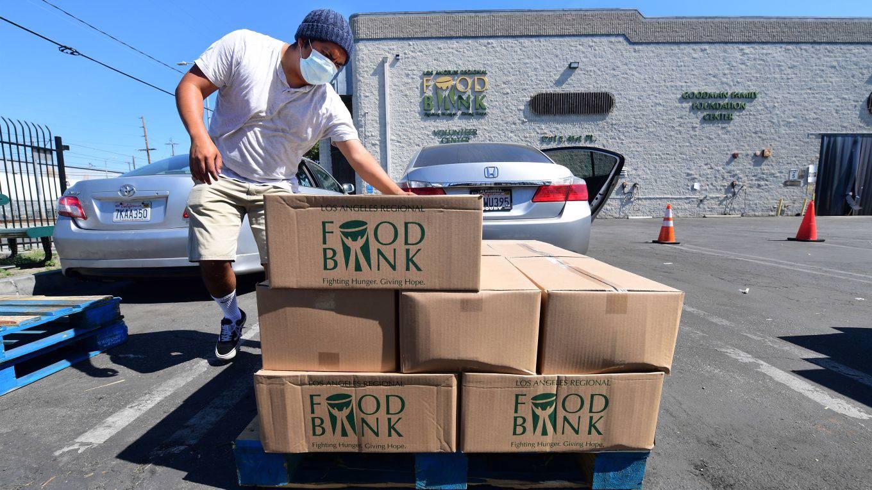 roubini150_FREDERIC J. BROWNAFP via Getty Images_food bank us