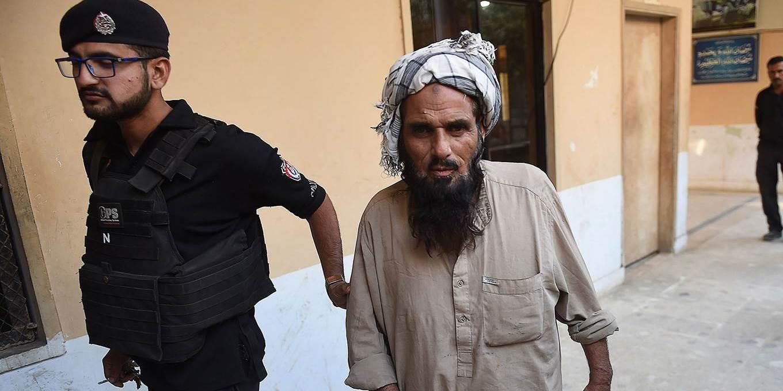 pakistan and afghanistan neighbors in war