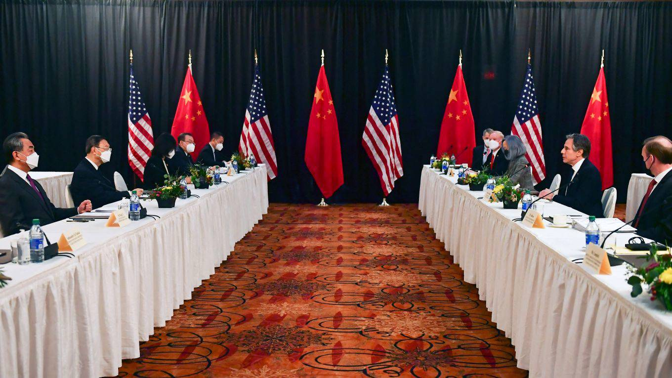 Getty Images_s Reunião na China via roach126_FREDERIC J. BROWNPOOLAFP Alasca