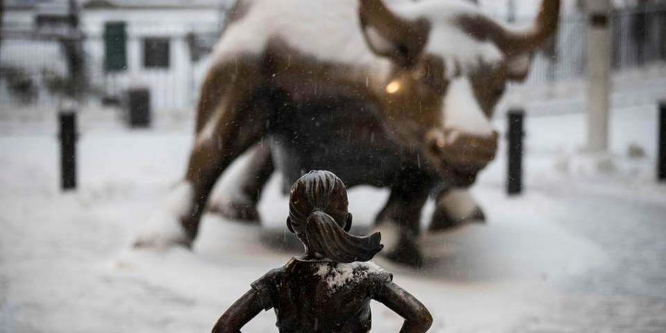 fearless girl statue snow