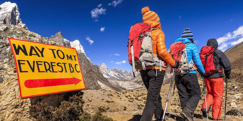 oneill62_hadynyahGettyImages_everestsignbyhikers