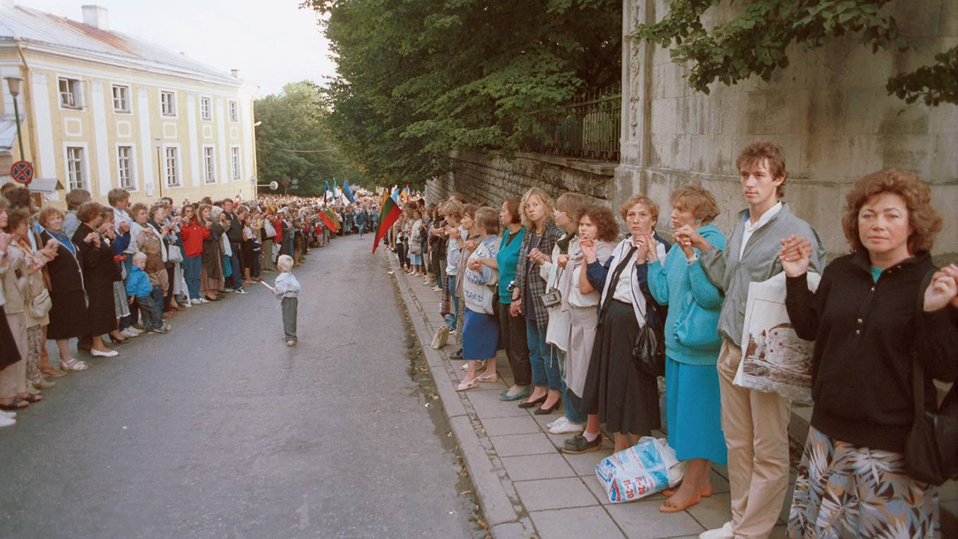 Remembering the Miracle of 1989 | by Carl Bildt