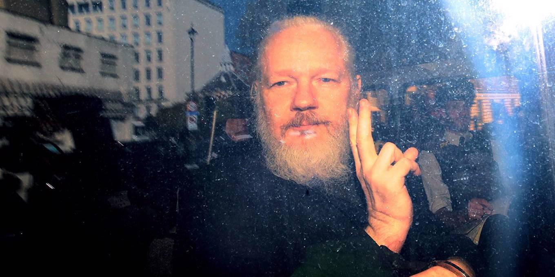 """Primero vinieron a por Assange"", por Varoufakis [ING]"