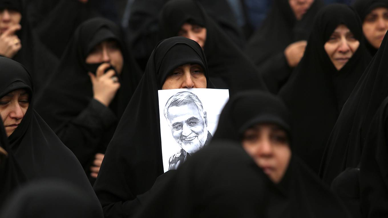 singer179_ATTA KENAREAFP via Getty Images_iranprotestsoleimani