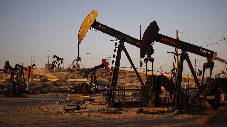 nordhaus1_David McNewGetty Images_oilfieldcalifornia
