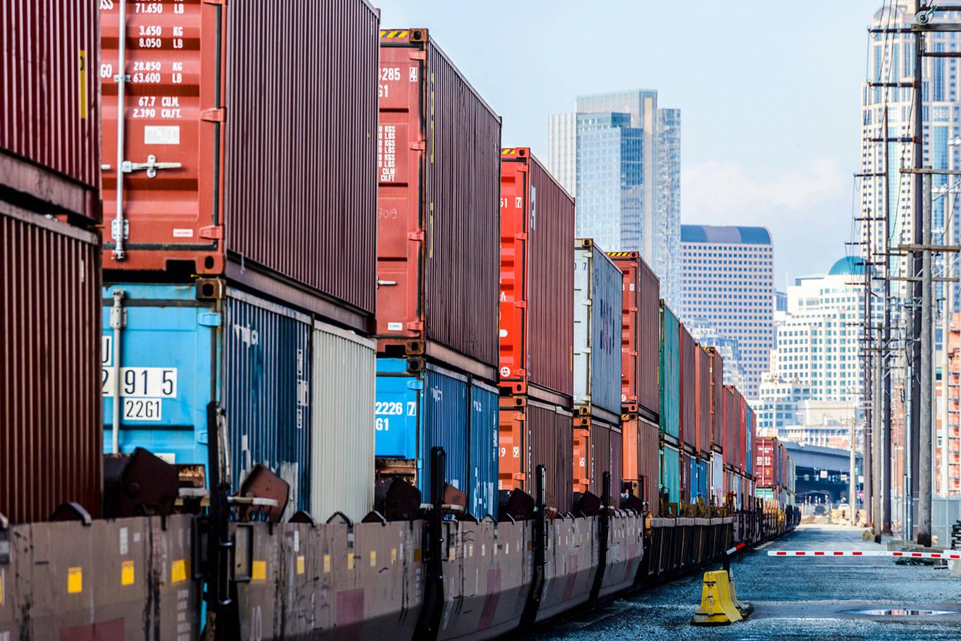 Inconvenient Truths About the US Trade Deficit by Martin Feldstein
