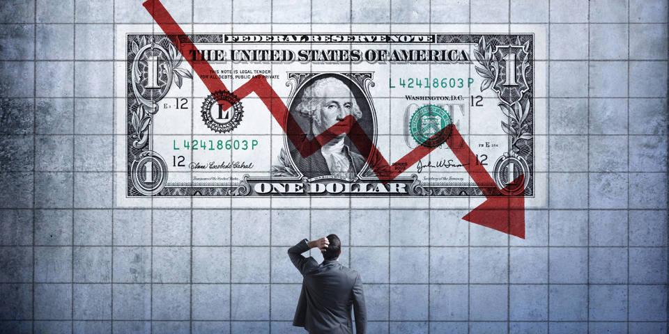 Ускользает ли всемогущий доллар?
