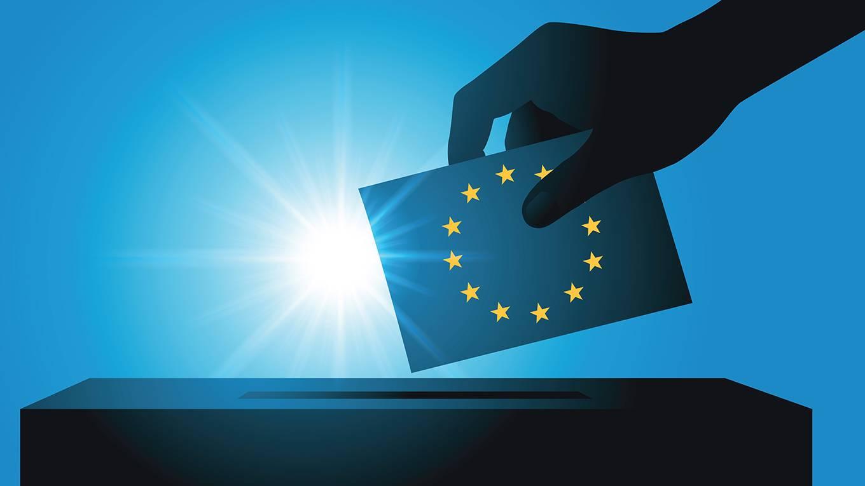 soros109_PictRiderGettyImages_EUflagvotingballotsun