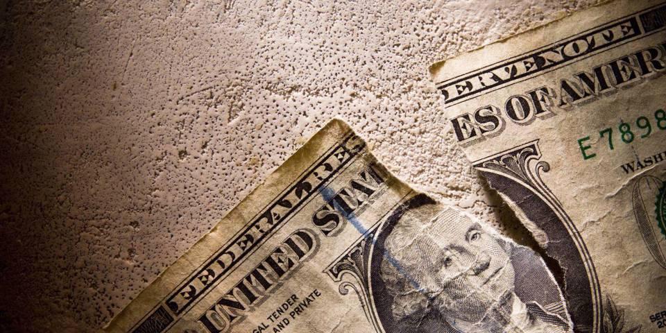 Тиски сужаются с долларом