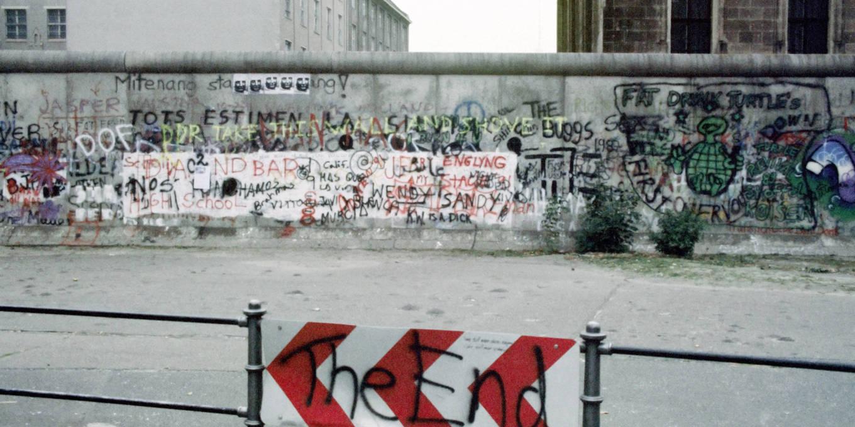 Падение Берлинской стены и социал-демократия   by Daron Acemoglu