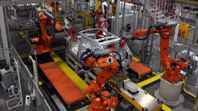spence136_David JonesPA Images via Getty Images_car factory robots