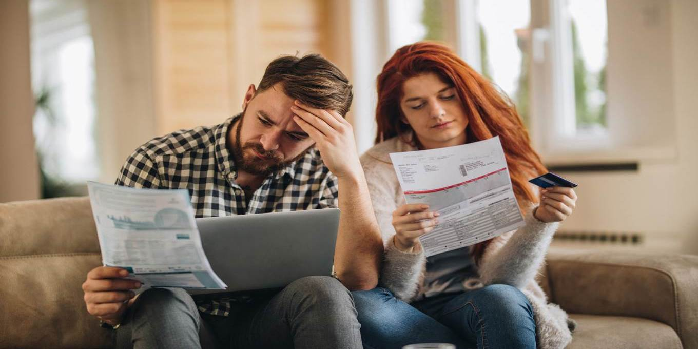 couple finances stress